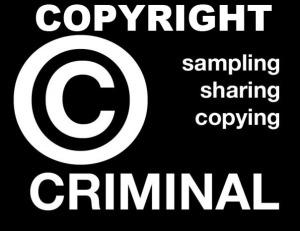 Soy un criminal del copyright  probando, compartiendo y copiando. Haz clic en la imagen.